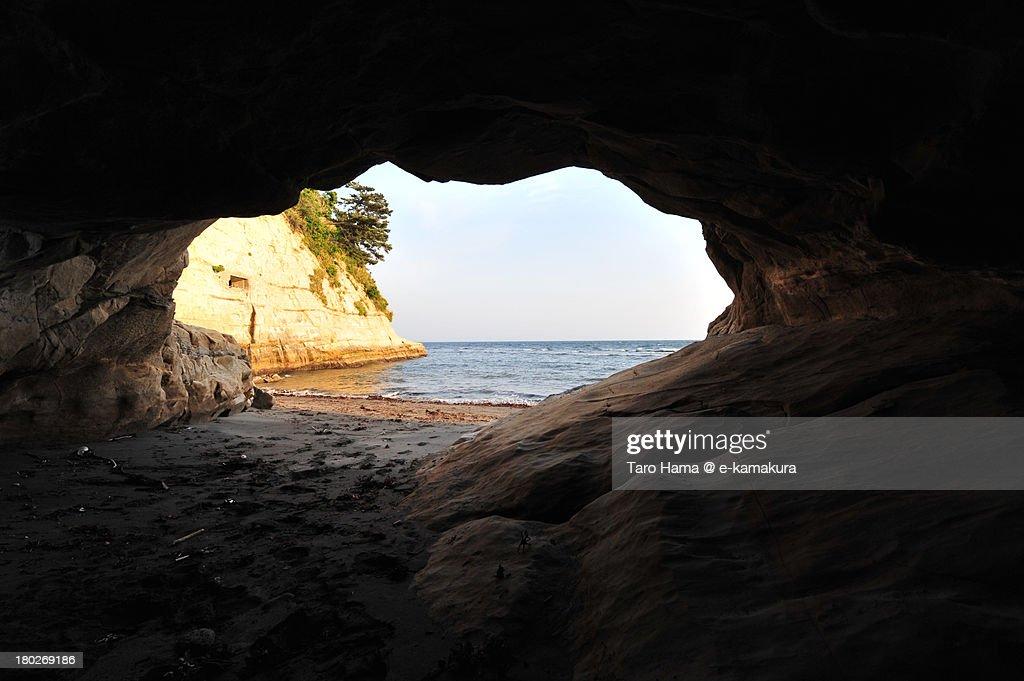 Inamura beach cave : Foto de stock