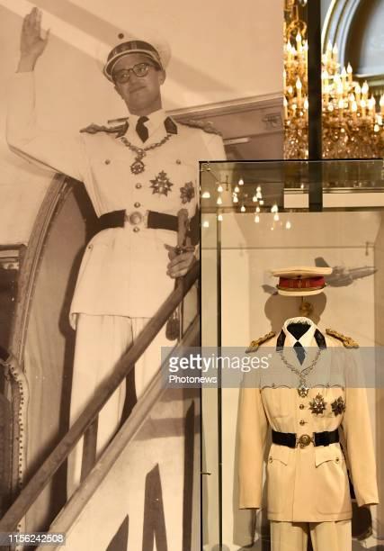 - Inaugurale wandeling van de zomertentoonstellingen in het Koninklijk Paleis te Brussel i.a.v. De Koning Filip en de Koningin Mathilde -...