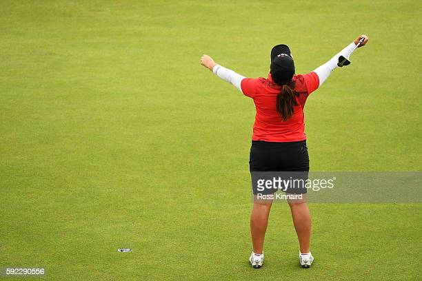Inbee Park of Korea reacts on the 18th green after winning gold during the Women's Golf Final on Day 15 of the Rio 2016 Olympic Games at the Olympic...