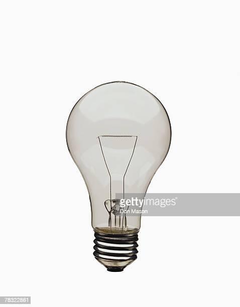 incandescent light bulb - incandescent bulb fotografías e imágenes de stock
