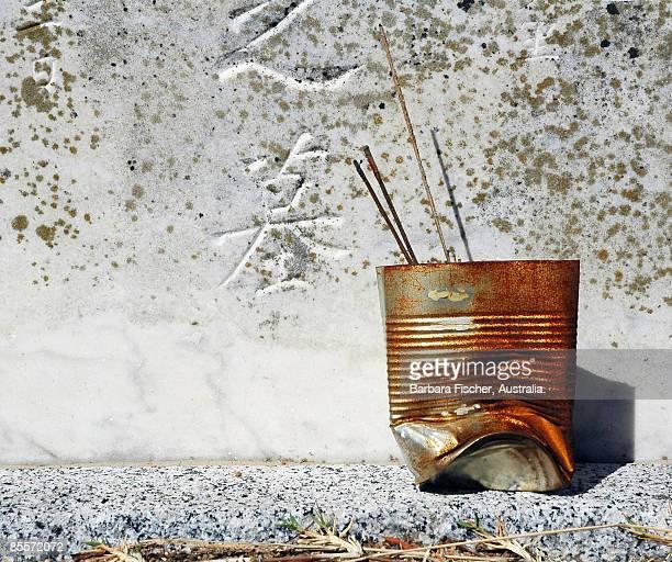 incense sticks - cor de ferrugem - fotografias e filmes do acervo