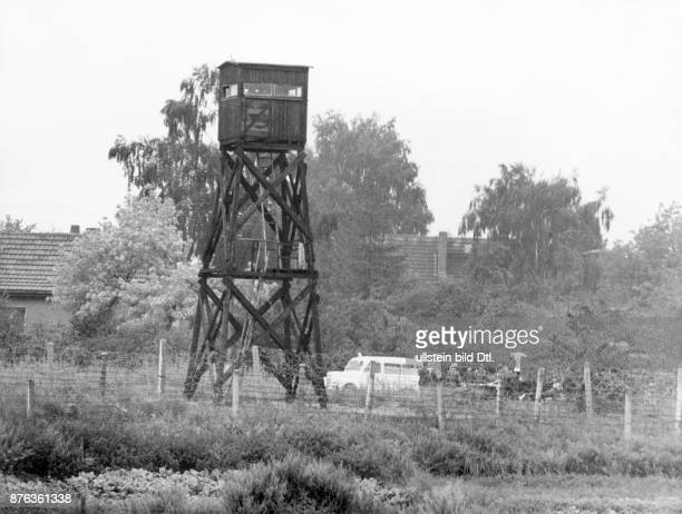 Incidents at the Berlin wall, escape attempt: Exchange of shots between an East German fleeing policeman and two border guards in the watch tower...