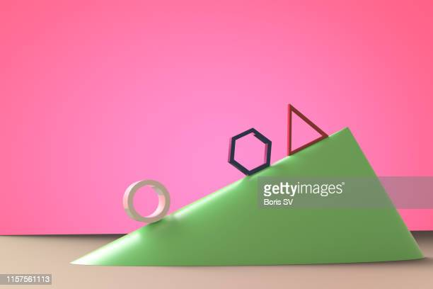 inclined plane physics - pink tube photos et images de collection