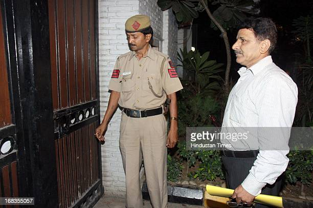 Income tax officials raid the residence of senior BJP leader Sudhanshu Mittal 26A Ferozshah Road on October 19 2010 in New Delhi India