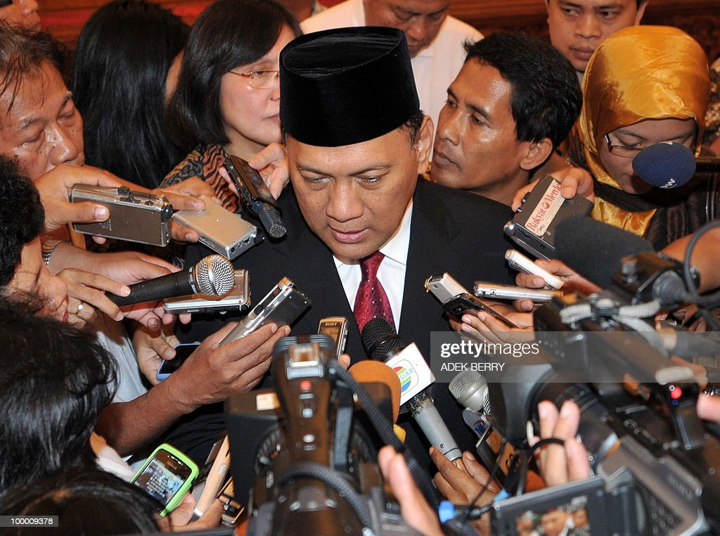 Incoming Finance Minister Agus Martowardojo talks to journalists after the swearing in ceremony at the presidential palace in Jakarta on May 20, 2010. Indonesia's new finance minister faces an uphill struggle to restore investor's confidence after the shock resignation of his respected predecessor, analysts said. President Susilo Bambang Yudhoyono appointed PT Bank Mandiri chief Agus Martowardojo late on May 19, to replace independent economist Sri Mulyani Indrawati, who resigned on May 4 for a top job at the World Bank.