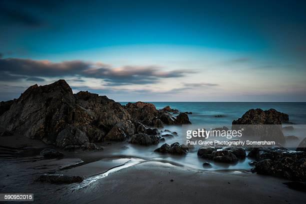 incoming tide st helens beach ireland - ウェックスフォード州 ストックフォトと画像