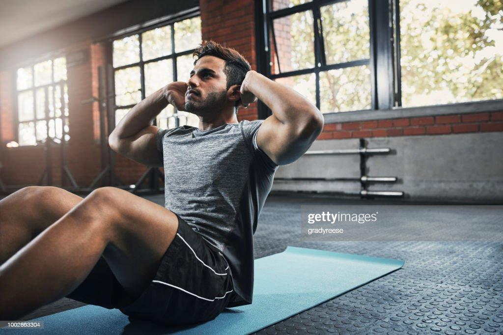 Verhoging van de rug, schouder en arm kracht : Stockfoto