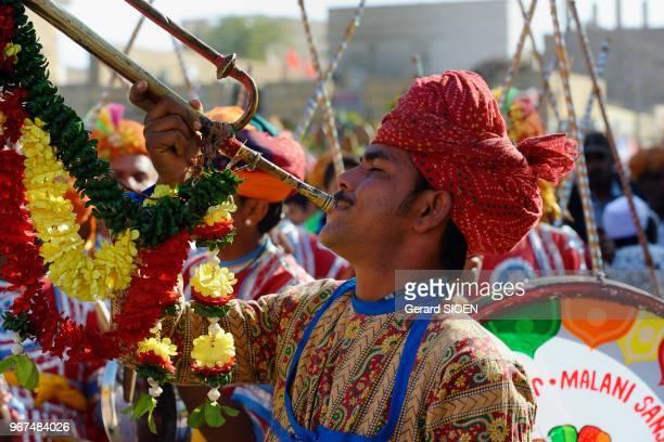 Inde Rajasthan region du Marwar Jaisalmer festival du Desert ceremonie de la procession//India Rajasthan Marwar region Jaisalmer Desert festival...