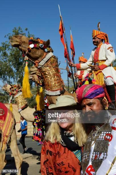 Inde Rajasthan region du Marwar Jaisalmer festival du Desert ceremonie de la procession regiment militaire en dromadaire//India Rajasthan Marwar...
