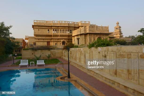Inde Rajasthan region du Marwar Jaisalmer hotel Mandir Palace piscine India Rajasthan Marwar region Jaisalmer Mandir Palace hotel the swimming pool