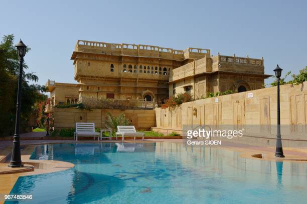 Inde Rajasthan region du Marwar Jaisalmer hotel Mandir Palace sa piscine//India Rajasthan Marwar region Jaisalmer Mandir Palace hotel the swimming...