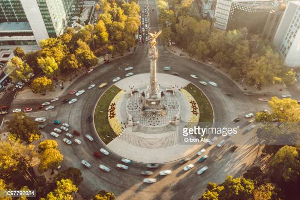 independence angel in mexico city aerial shot. - mexico city stock pictures, royalty-free photos & images