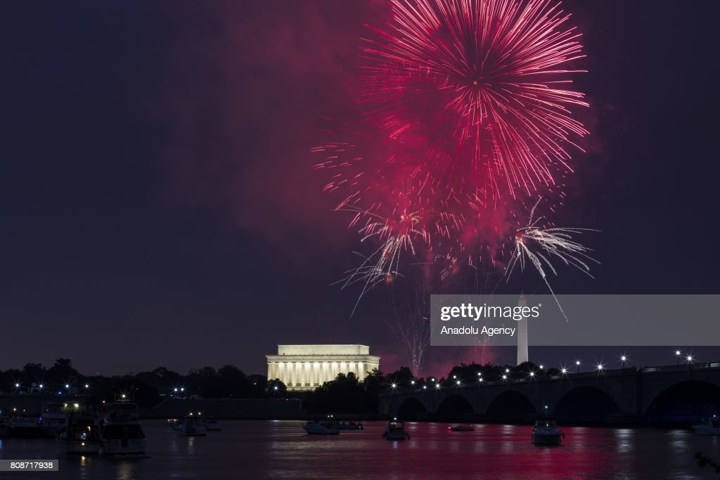 Independence Day celebration fireworks explode in the air above the Lincoln Memorial and Washington Monument along the National Mall in Washington, USA on July 4, 2017.