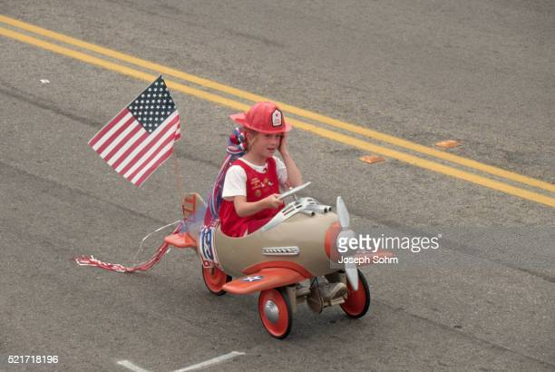 independence day parade - cayucos stock pictures, royalty-free photos & images
