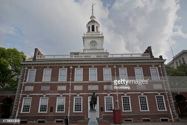 Independence Hall stands in Philadelphia Pennsylvania US on Saturday May 9 2015 Philadelphia the largest city in the Commonwealth of Pennsylvania is...