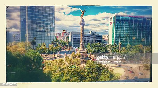 Independence Monument At Paseo De La Reforma