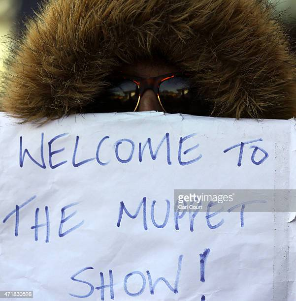 Independence protesters demonstrate in front of Labour supporters ahead of the arrival of Labour leader Ed Miliband for a campaign speech on May 1...