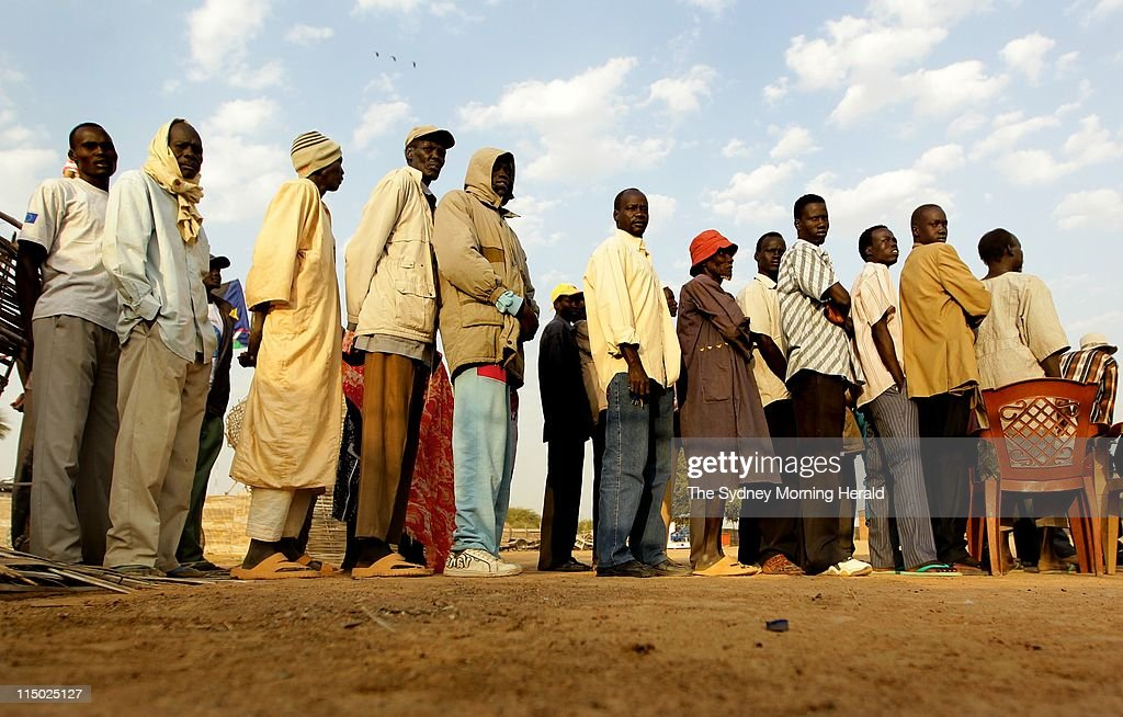 Sudan prepares to go to the polls to vote in referendum pictures independence referendum southern sudan southern sudanese queue to vote at the wunrok town in sciox Images