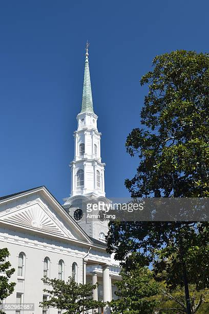independent presbyterian church in savannah - presbyterianism stock photos and pictures