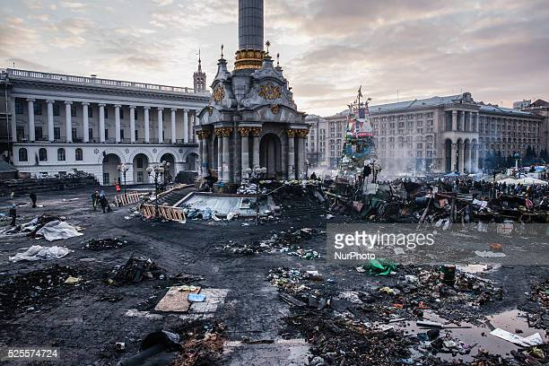 Independent square in Kiev Ukraine after two days of violent clashes between riot police and Euromaidan protesters