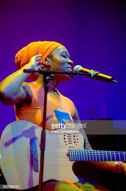 India Arie, vocal, performs at the Paradiso on April 19th 2002 in Amsterdam, Netherlands.