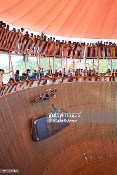 India, Bihar, Patna region, Sonepur livestock fair, The fun fair, 'The well of death' show