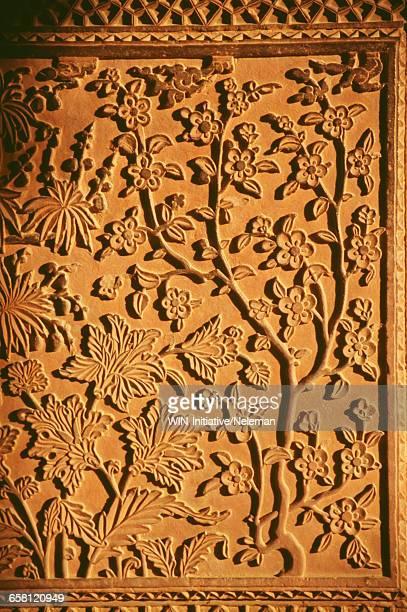 india, detail of building at fatehpur sikri - reliefskulptur stock-fotos und bilder