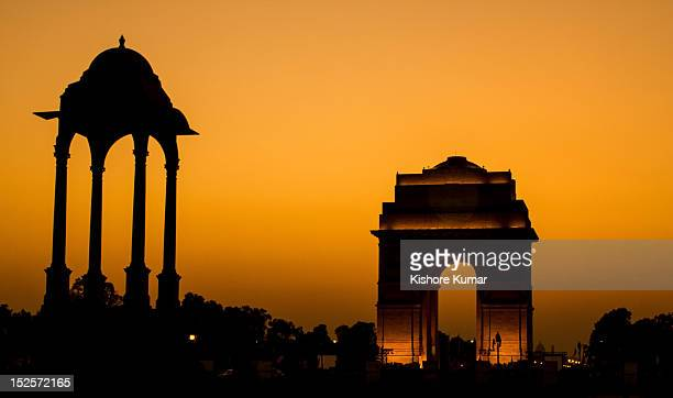 india gate in evening - india gate delhi stock pictures, royalty-free photos & images