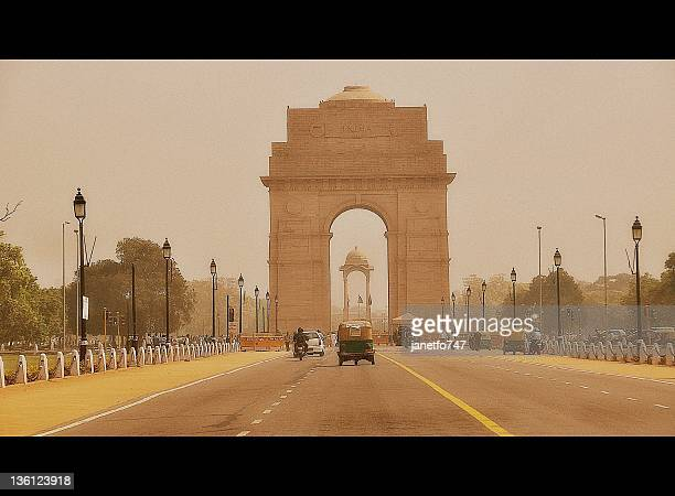 india gate in new delhi, india - india gate stock pictures, royalty-free photos & images