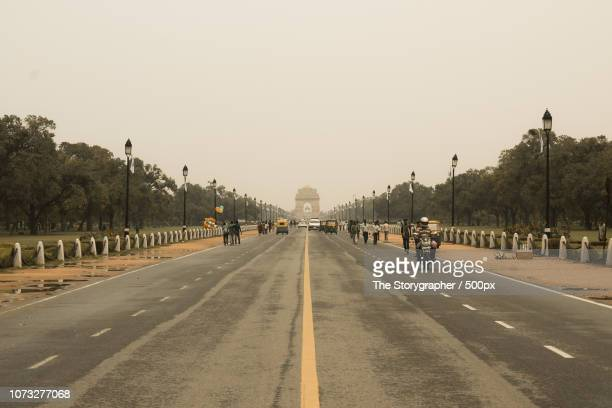 india gate, new delhi - the storygrapher stock pictures, royalty-free photos & images
