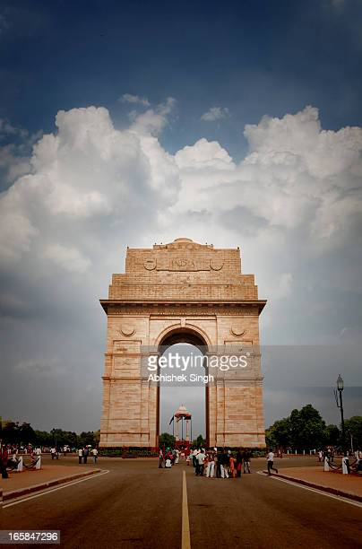 india gate- new delhi - india gate stock pictures, royalty-free photos & images