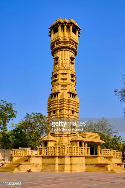 india, gujarat, ahmedabad, hutheesingh jaïn temple - gujarat stock pictures, royalty-free photos & images
