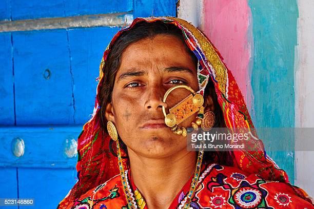 india, gujarat, kutch, hodka village - カースト ストックフォトと画像