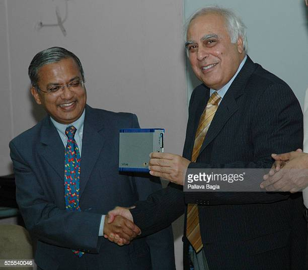 India launches an affordable laptop computer retailing at 225$ US dollars The Indian minister for Science Kapil Sibal unveiled Mobilis a Linuxbased...