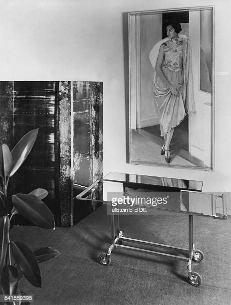 India Madhya Pradesh Indore Salon in the big palace of the maharajah portrait of his sister of the Berlin painter Harold Bengen Photographer Emil...