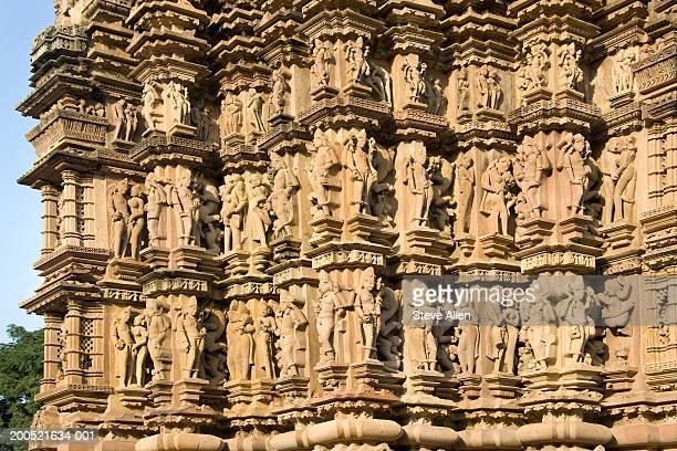 india, madhya pradesh, khajuraho, kandariya mahadev temple exterior - khajuraho stock pictures, royalty-free photos & images