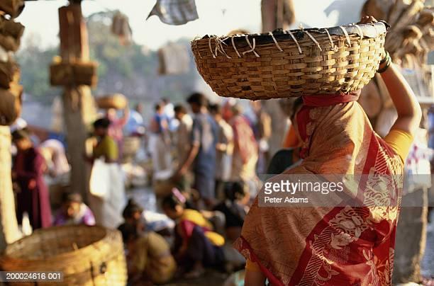 india, maharashta, bombay, fish market - mumbai stock pictures, royalty-free photos & images