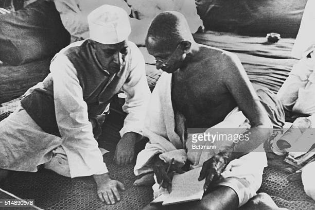 Mahatma Gandhi and Pandit Jawaharlal Nehru during the All India Conference Committee Session when the Quit India Resolution was adopted
