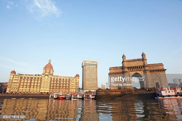 india, mumbai, gateway of india, view across harbour - ムンバイ ストックフォトと画像