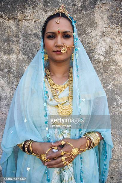 india, mumbai, woman in traditional clothing, portrait - tradition stock pictures, royalty-free photos & images