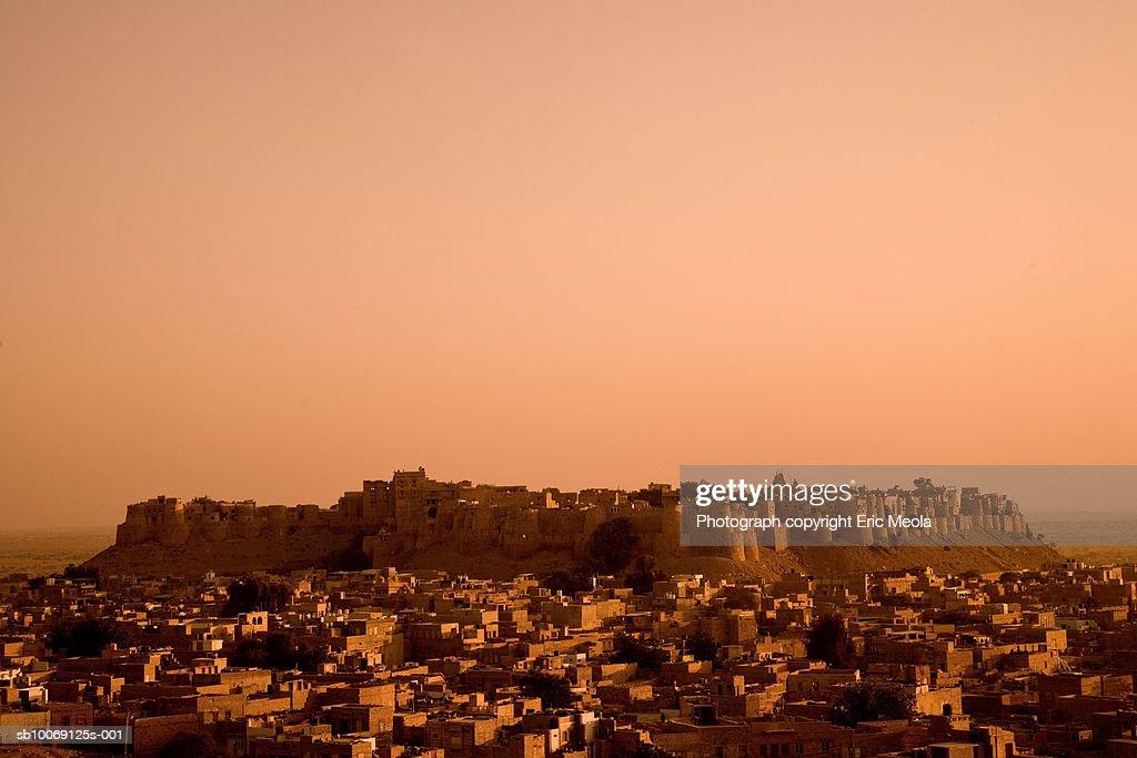 India, Rajasthan, Jaisalmer, High angle view of village : Stockfoto