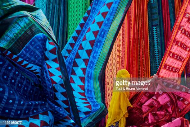 india, rajasthan, sari factory - sari stock pictures, royalty-free photos & images