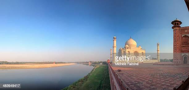 india, taj mahal - yamuna river stock pictures, royalty-free photos & images
