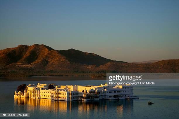 India, Udaipur, Lake Palace Hotel