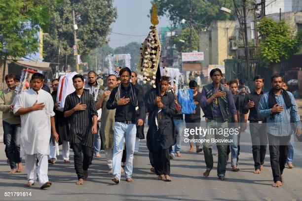 india, uttar pradesh, lucknow, ashura festival, shia muslims carrying tazias, replicas of imam hussa - muharram stock pictures, royalty-free photos & images