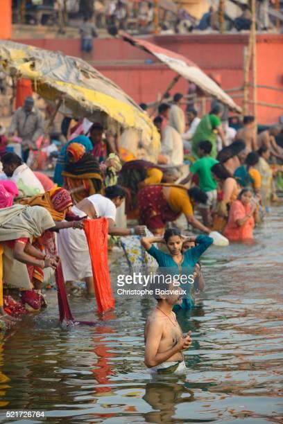 India, Uttar Pradesh, Varanasi, Dasashwamedha ghat, Morning ablutions in the Ganges