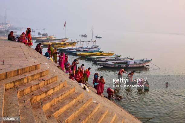 india, varanasi (benares), ghats on the river ganges - ganges river stock pictures, royalty-free photos & images