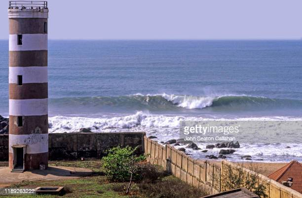 india, waves in the bay of bengal - アンドラプラデシュ州 ストックフォトと画像