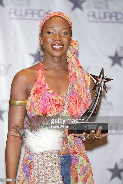 IndiaIrie Best Female RB at the 2nd Annual BET Awards at the Kodak Theatre in Hollywood Ca Tuesday June 25 2002 Photo by Kevin Winter/ImageDirect