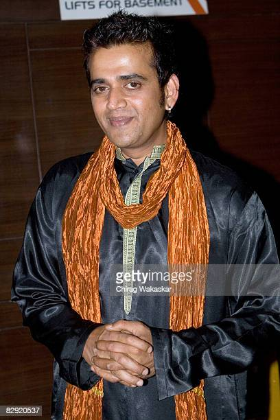 Indian actor Ravi Kissen attends the premiere of Welcome to Sajjanpur at the Cinemax Versova on September 18 2008 in Mumbai India